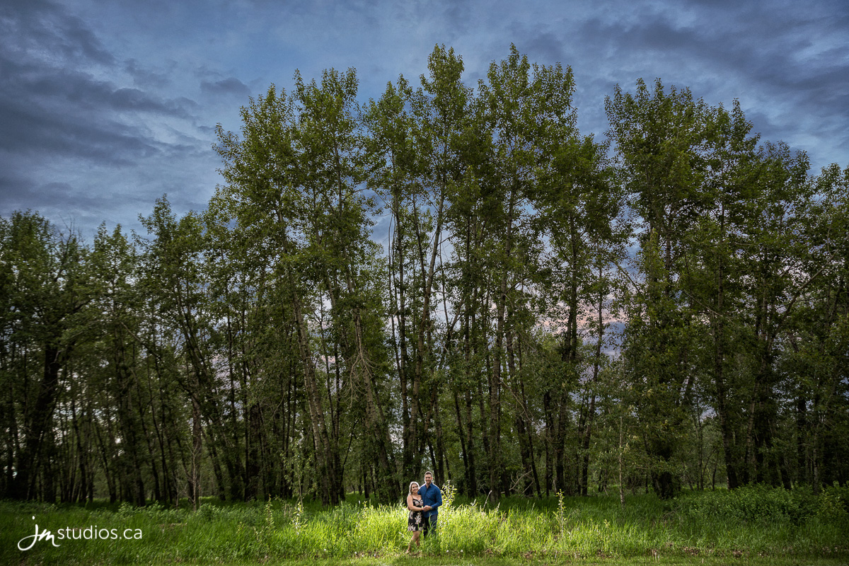 180612_653-Calgary-Engagment-Photographers-Fish-Creek-Park-Bow-River-JM_Photography