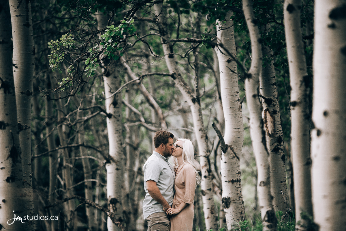 180618_001-Mountain-Engagment-Photos-Bear-Pond-Alberta-JM_Photography