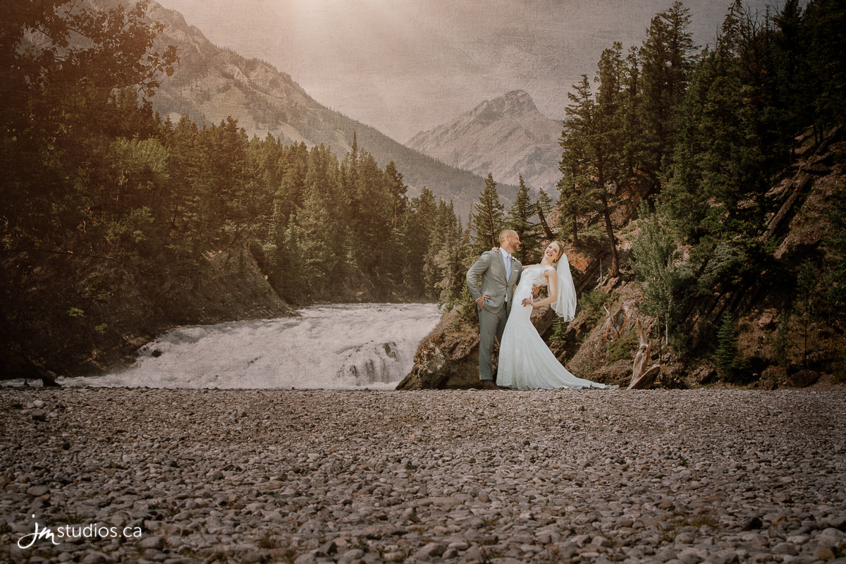 180728_5169-Banff-Wedding-Photographers-Moose-Hotel-and-Suites-JM_Photography