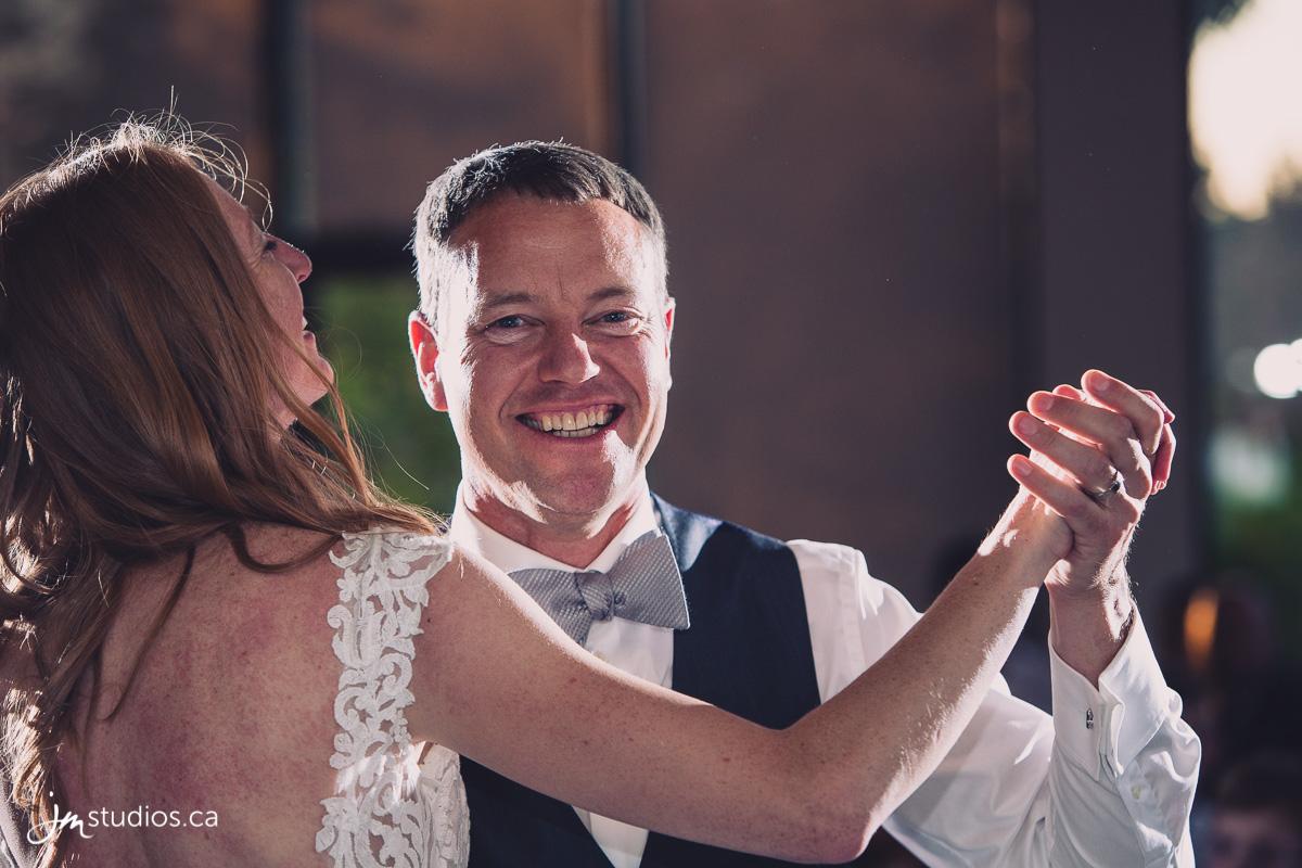 180602_8043-Calgary-Wedding-Photographers-Valley-Ridge-Golf-Club-JM_Photography