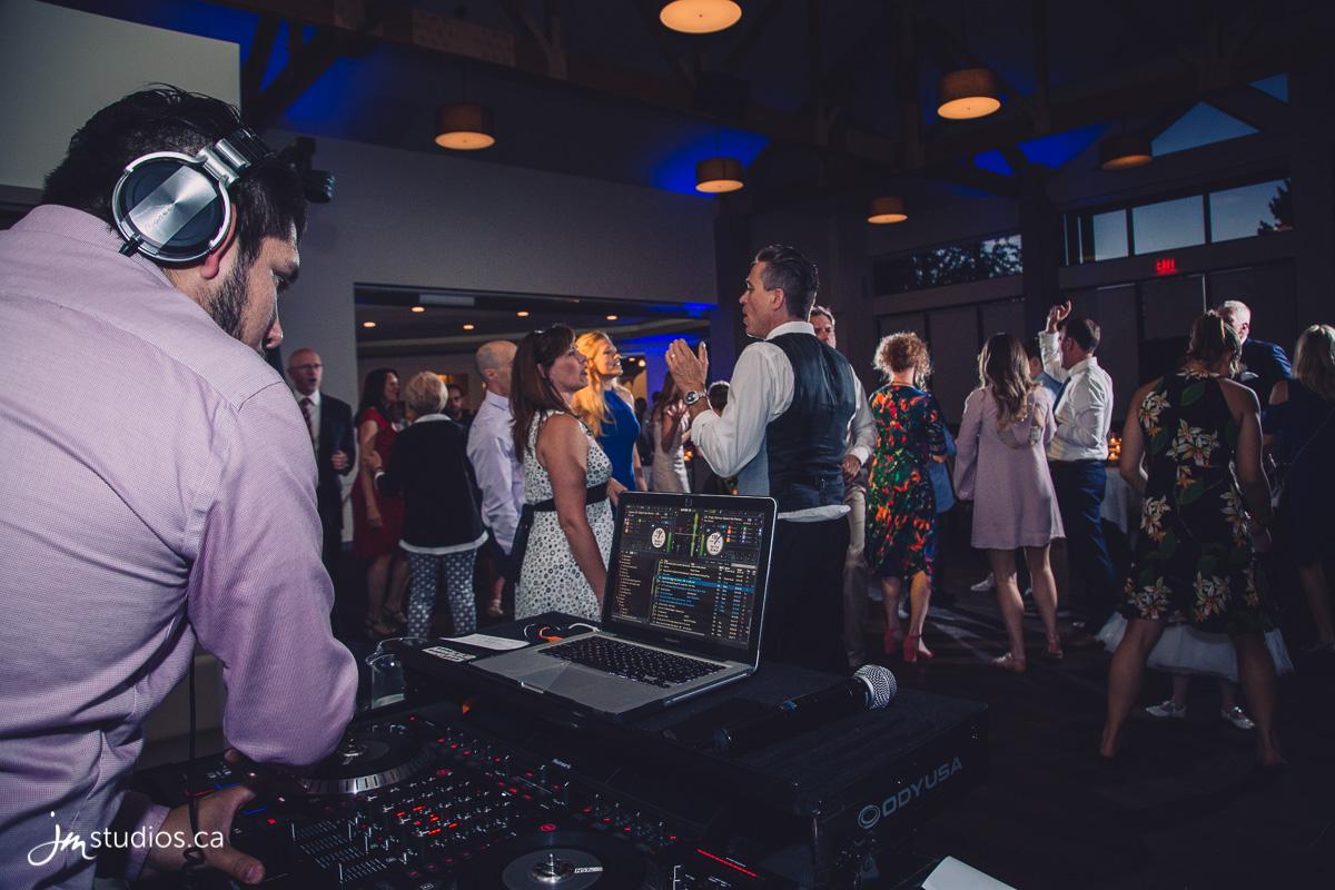180602_8779-Calgary-Wedding-Photographers-Valley-Ridge-Golf-Club-JM_Photography