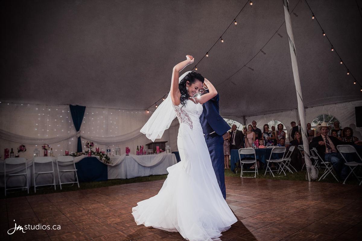 180707_9133-Calgary-Wedding-Photographers-Crossfield-JM_Photography