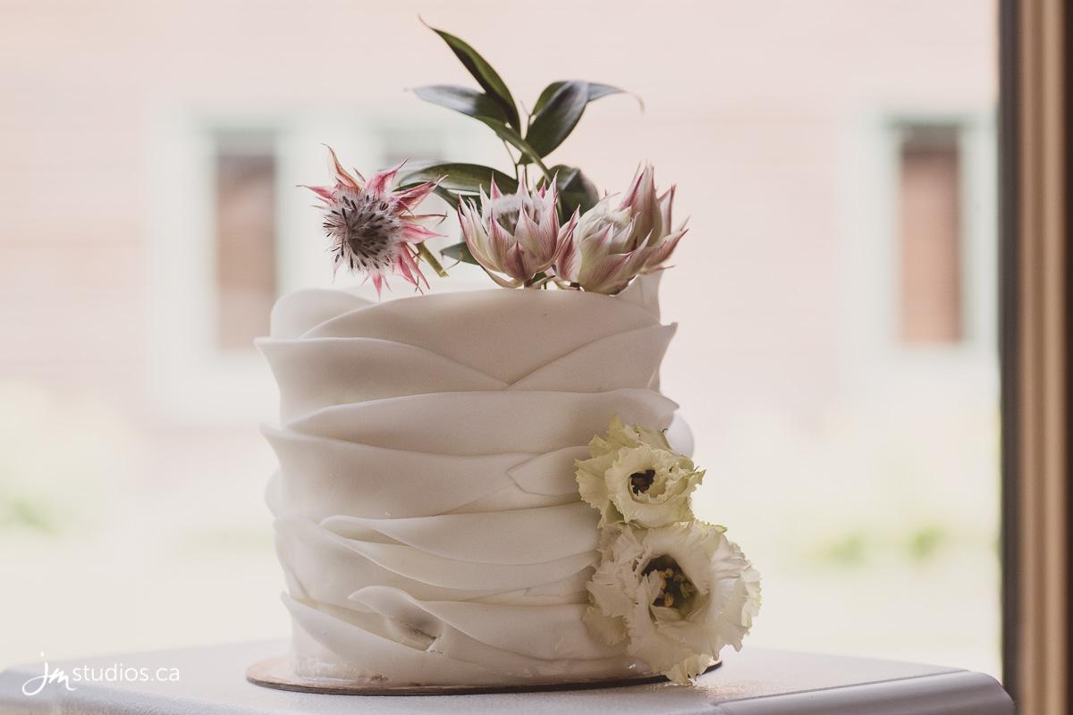 180725_5596-Rocky-Mountain-Wedding-Photographers-Moraine-Lake-JM_Photography