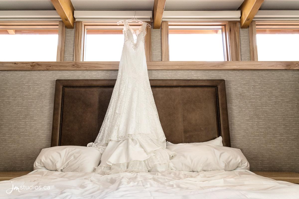 180728_1039-Banff-Wedding-Photographers-Moose-Hotel-and-Suites-JM_Photography
