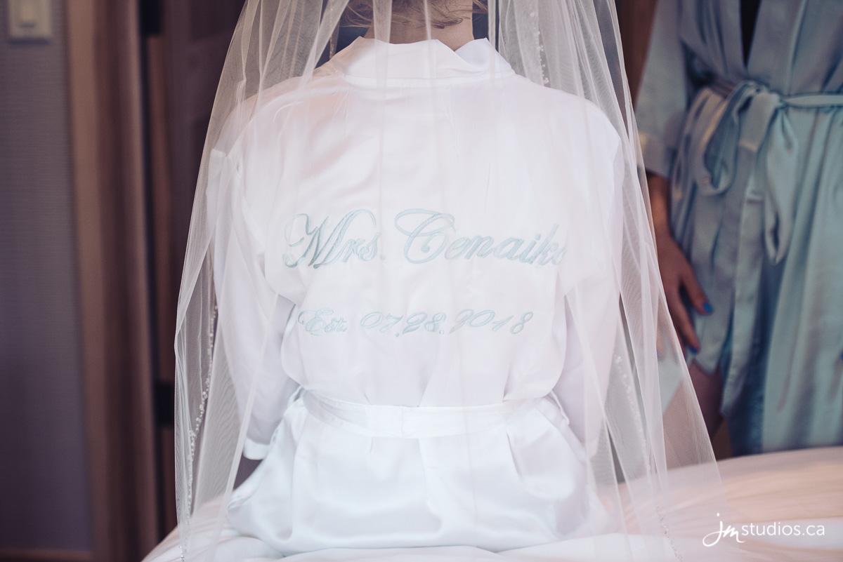 180728_1378-Banff-Wedding-Photographers-Moose-Hotel-and-Suites-JM_Photography