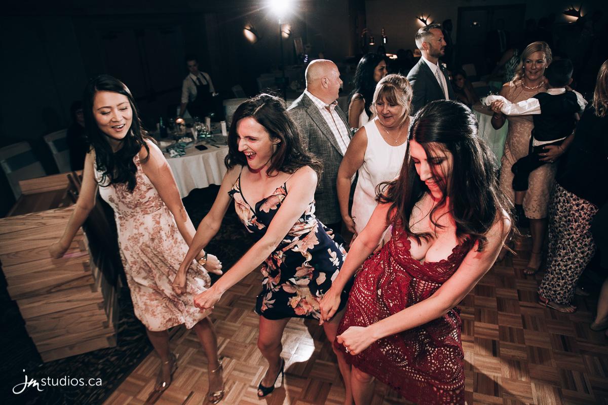 180728_8577-Banff-Wedding-Photographers-Moose-Hotel-and-Suites-JM_Photography