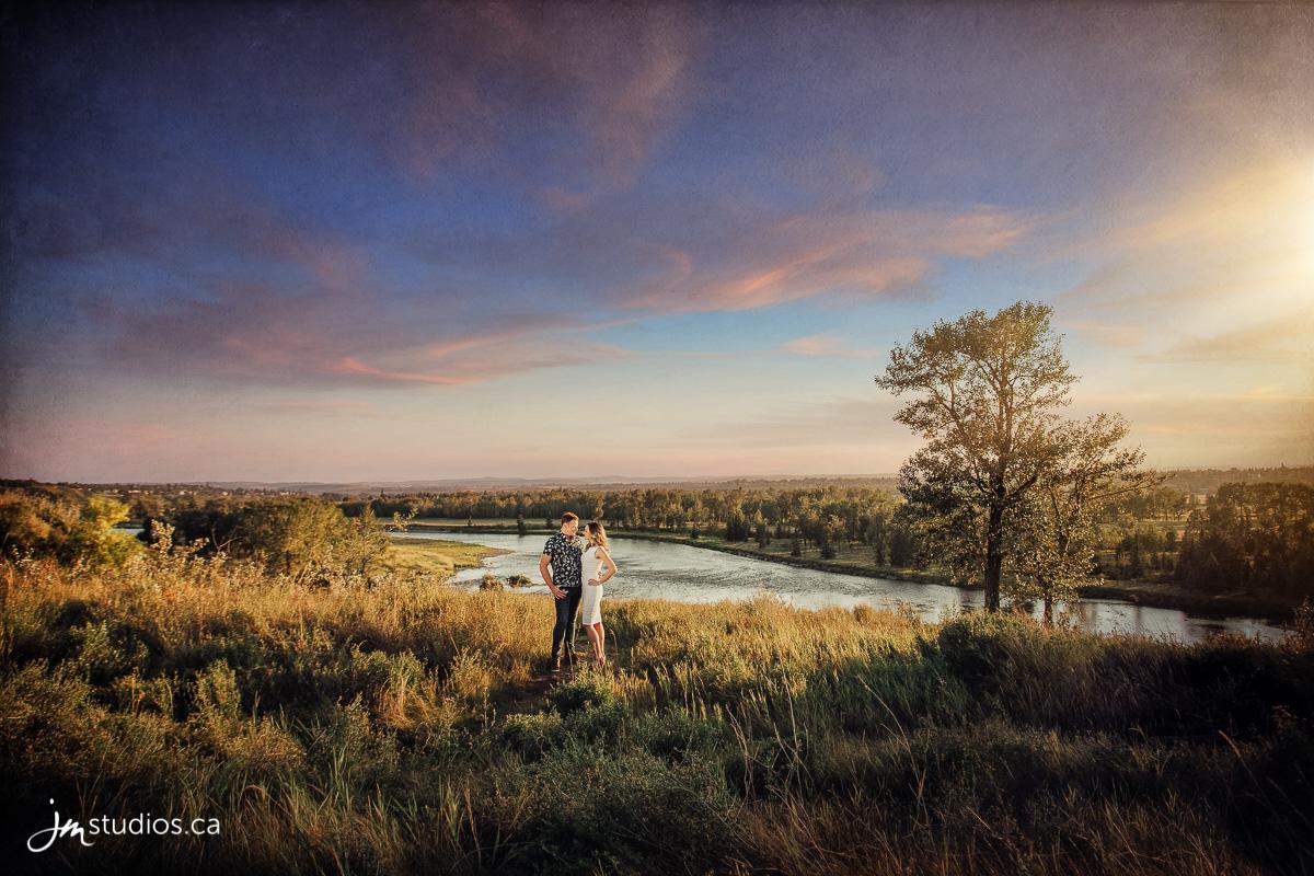 180827_001-Calgary-Engagment-Photographers-DouglasDale-Point-JM_Photography